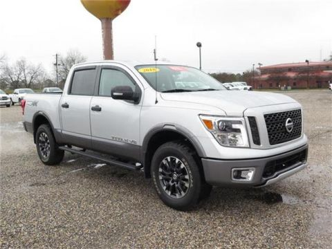 Pre-Owned 2018 Nissan Titan SL Four Wheel Drive PICKUP