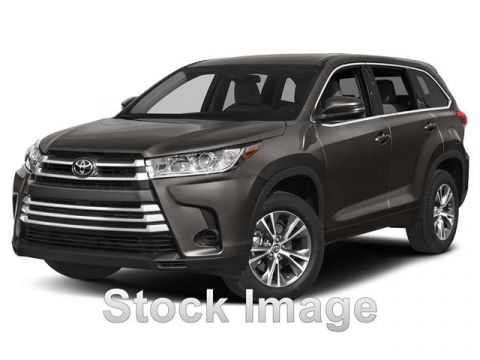 Pre-Owned 2017 Toyota Highlander XLE Front Wheel Drive Sport Utility